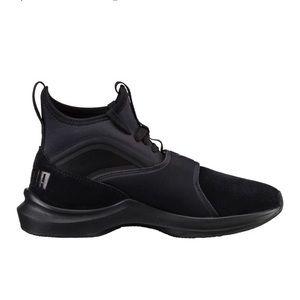 NWT Puma black training shoes